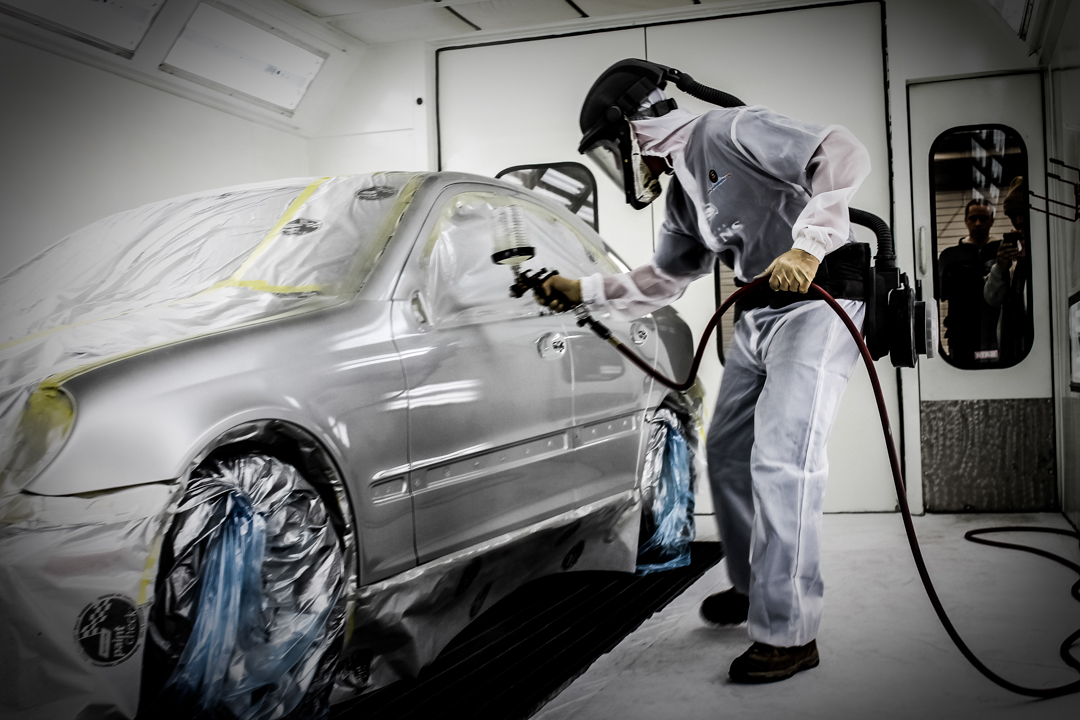 Glasurit 90 line mercedes benz repair open house for Mercedes benz body repair